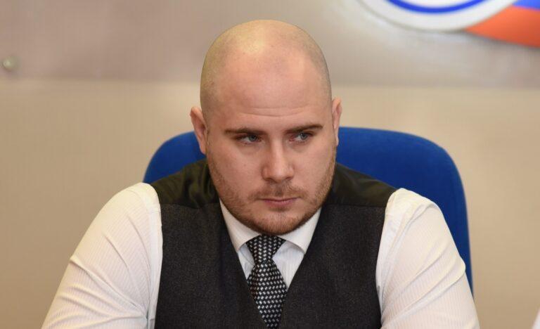 Виктор Бетехтин