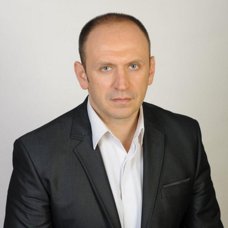 Александр Каменюк