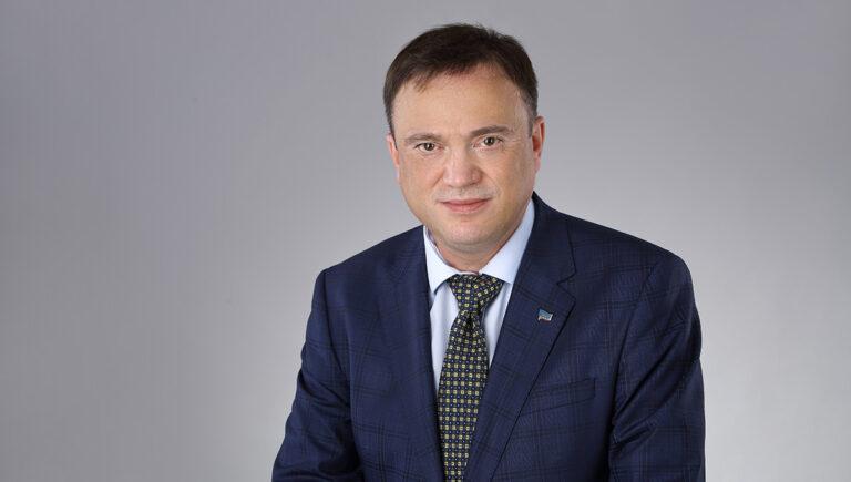 Олег Постников