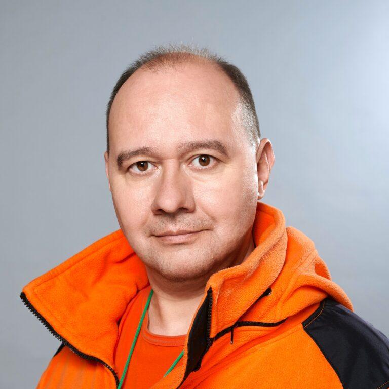 Леонов Олег Юрьевич