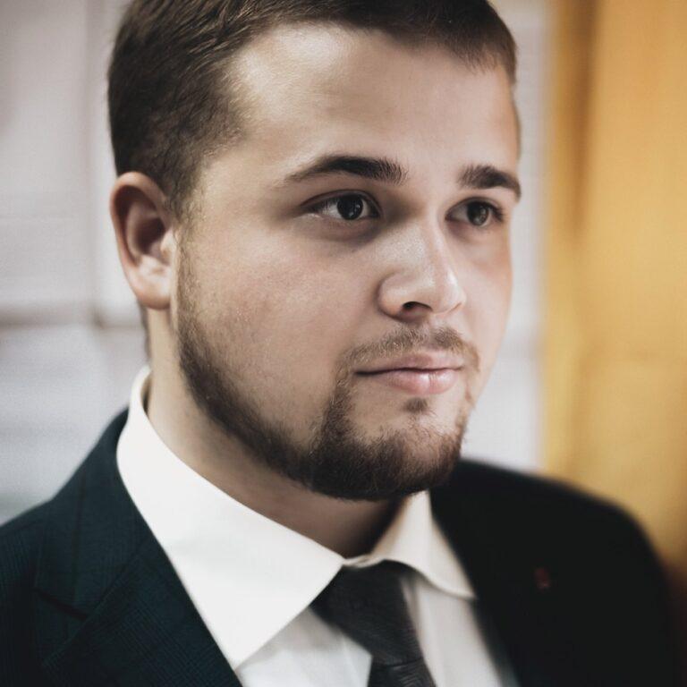 Шах Андрей Викторович