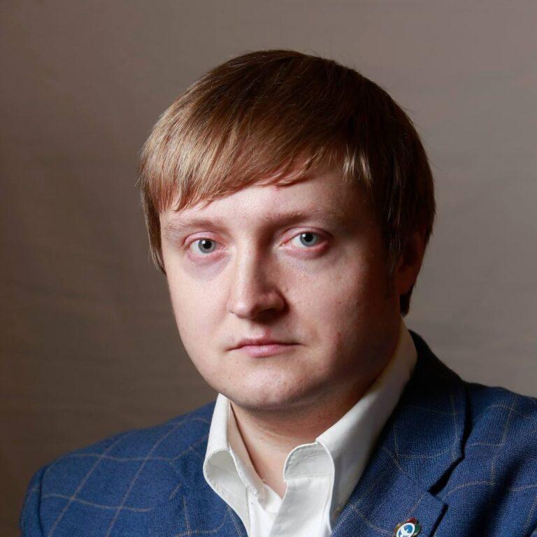 Зоммер Денис Валерьевич